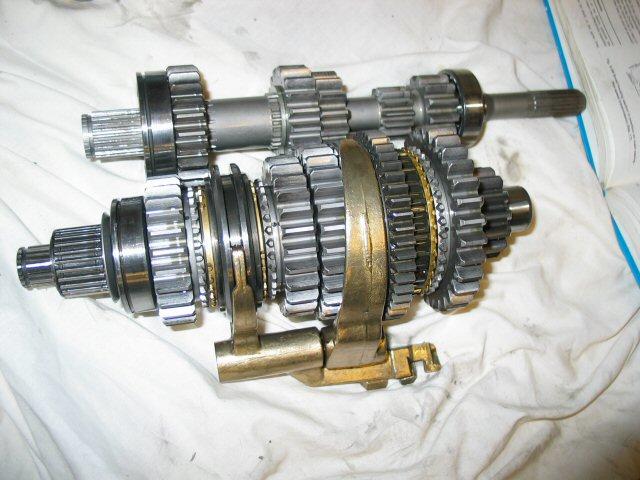 transmission gear puller. gearbox transmission gear puller